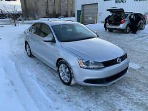 Certified   2015  Volkswagen Jetta S  heated /remote start...