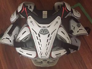 Troy Lee Designs Chest Protector - Men's Large - Almost new
