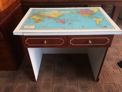 Childs desk with 4 drawers retro 1980s world map on desk top retro world map desk gumiabroncs Image collections