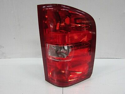 2007-2013 CHEVROLET SILVERADO WITH 3157 BACK UP BULB OEM RIGHT TAIL LIGHT R4