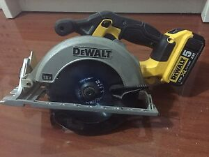Dewalt DCS391-XE circular saw with battery 5AH Mulgrave Monash Area Preview