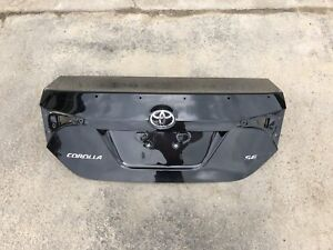 2014-2018 Toyota Corolla Trunk and Tail light