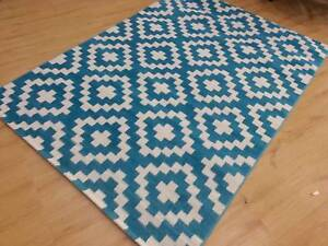 CLEARANCE! Brand New Heat-Set Rug, LARGE SIZE: 240 x 330cm