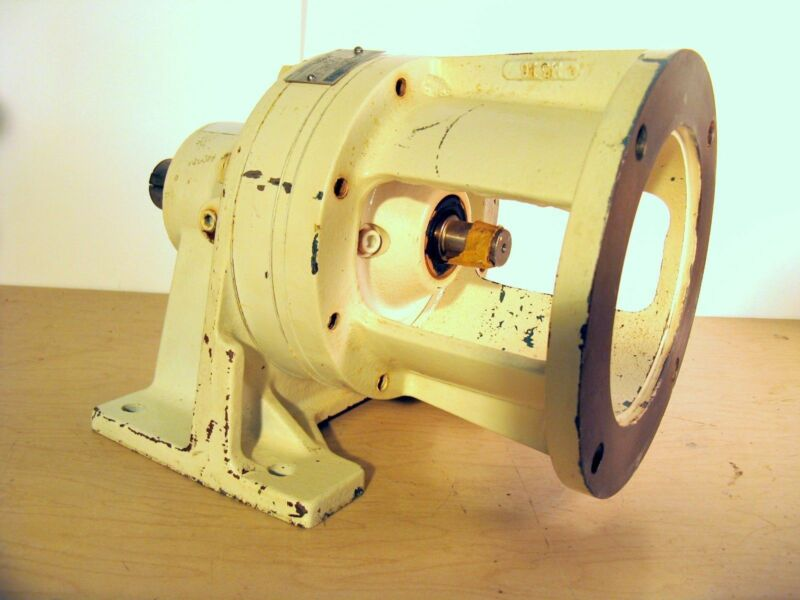 Sumitomo 17:1 Gear Reducer CNHJS-4095Y17 (1.4HP) - NEW Surplus!