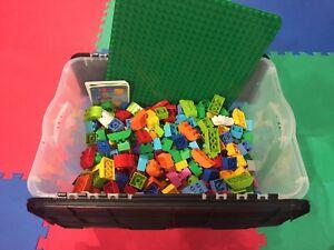 Lot de Lego Duplo (plus de 440 morceaux)