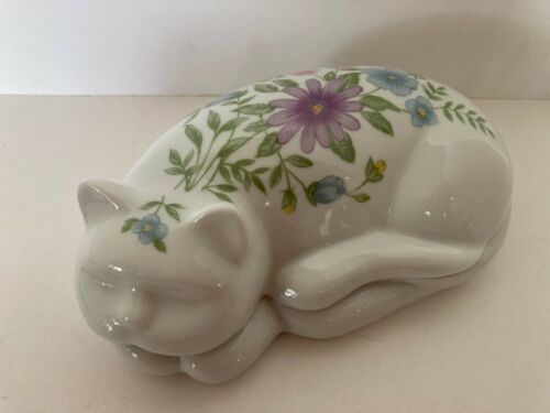 Elizabeth Arden Porcelain Floral Sleeping White Cat Lid Trinket Box Vanity Tray