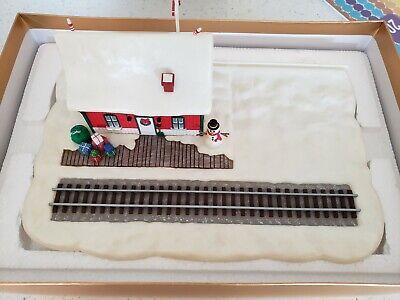 2003 Hallmark Lionel Holiday Special - Set of 3 Train Ornaments & Display Scene