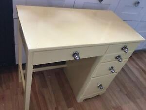 Small desk - 1 yellow available