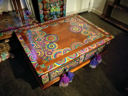 1metre x75cm x 43cm tall Beautiful solid timber coffee table