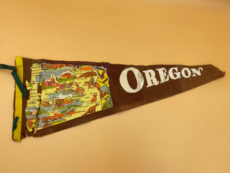 Vintage Oregon Map of State Pennant 22 Inch