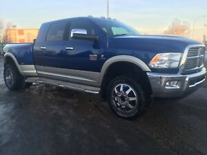 Dodge 3500 Diesel Dually Mint 96730 km 20 inch tires