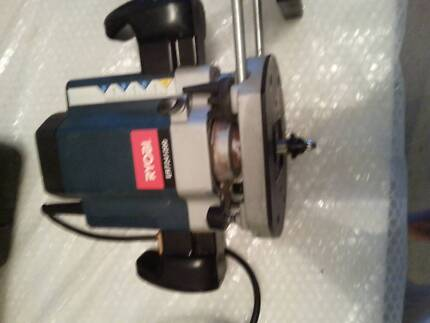RYOBI ROUTER IN VERY GOOD CONDITION