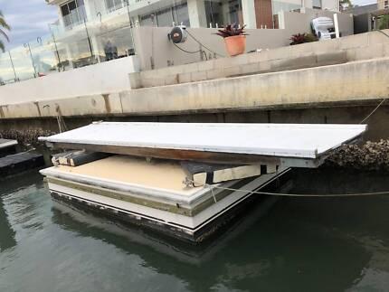 Floating Pontoon with Walkway