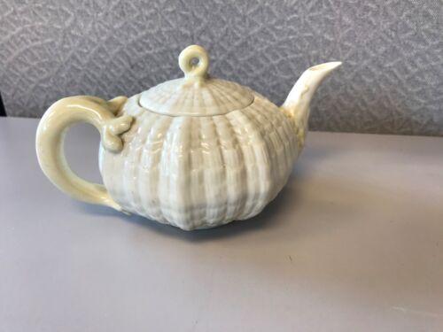 BELLEEK IRELAND TEA POT REC # 0857