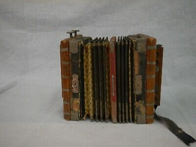 COLLECTORS VINTAGE GEBR LUDWIG ACCORDION