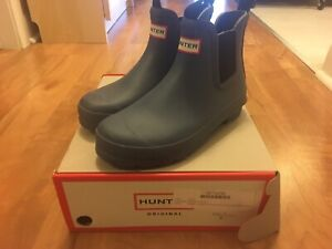 Chelsea Hunter Boots Size 6