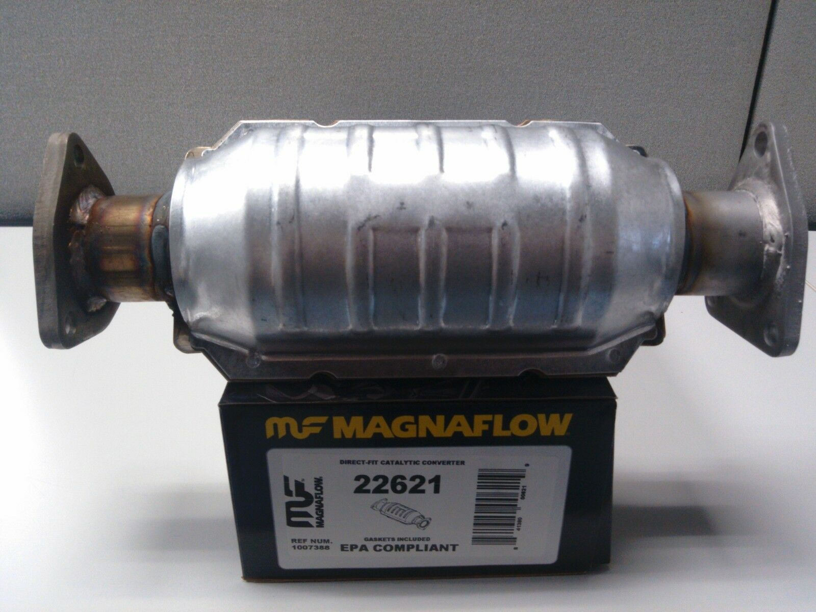 MagnaFlow Direct Fit Catalytic Converter 1997 to 2001 Honda CR-V 2.0L $50 rebate