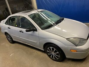 2004 Ford Focus fresh safety (SOLD pending !!!)