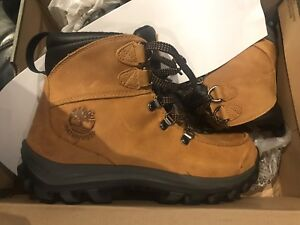 Timberlands men's shoes size 8, new in box , only $120