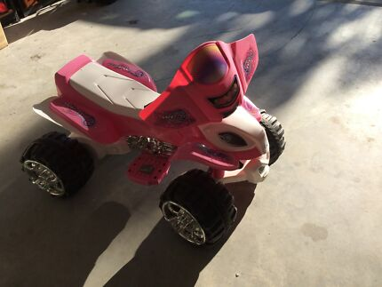 Girls battery operated quad, suit 2-5yo Thornton Maitland Area Preview