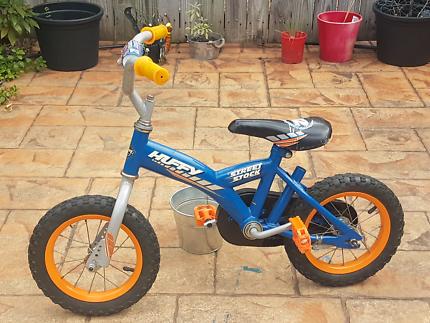 Kids 2 wheels bike, Huffy Street Stock