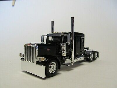 DCP FIRST GEAR 1/64 SCALE 389 PETERBILT FLAT TOP, BLACK & CHROME, FRAME COVER