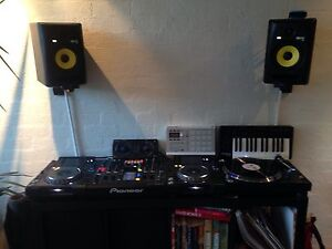 Pioneer CDJ 2000s Nxs, DJM 2000 Nxs & PLX 1000 Turntable + EXTRAS Fitzroy North Yarra Area Preview