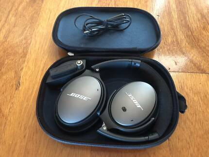 Like New - Bose QC25 Noise Cancelling Headphones