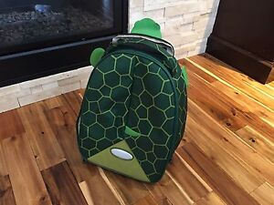 Turtle suitcase with wheels