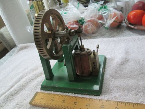 "Working Reciprocating Metal Scale Pump Model - 5 1/2 x 5 1/2 x 6"" -  Fine !!"