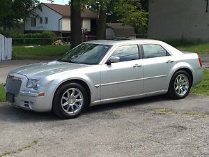 Mint Chrysler 300C