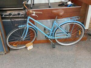 Baby Blue vintage bicycle ladies