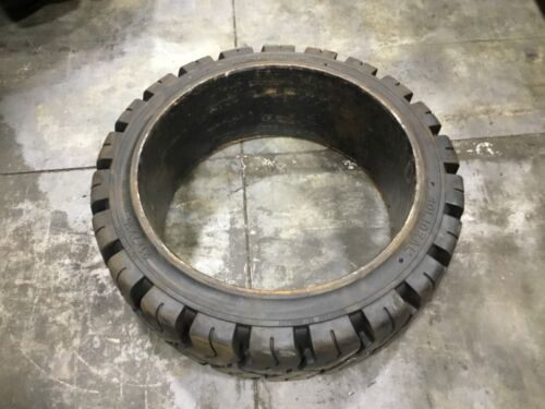Solideal Magnum 21x7x15 Press On Forklift Tire #T299E13PR6
