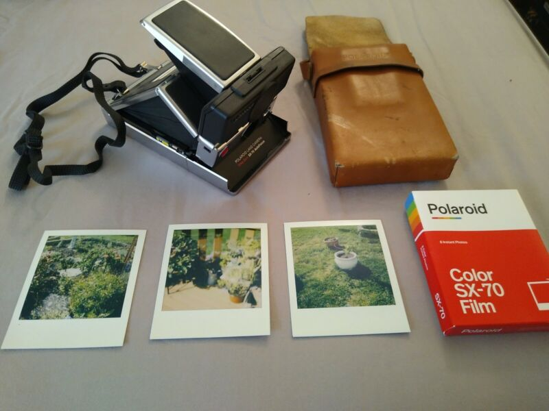 Polaroid SX-70 Land Camera SONAR Time Zero Autofocus WORKS + Case + 1 New Pack