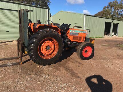 Kabota 4WD tractor forklift Morphett Vale Morphett Vale Area Preview