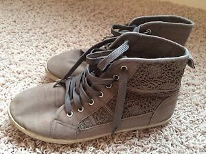 Gray Shoes size7