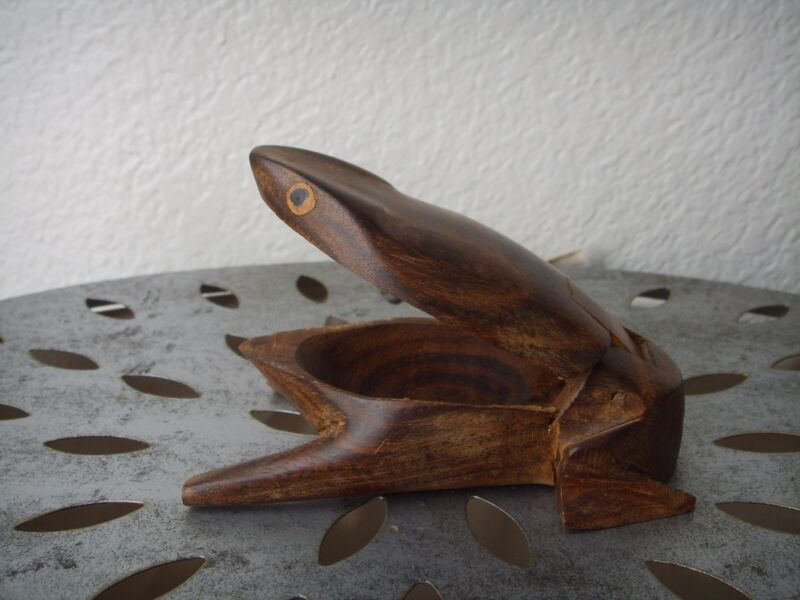 Vintage Primitive FROG Wooden Trinket Box Hand Made Carved Antique Figurine