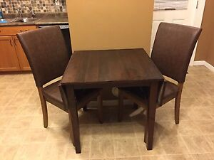 NEED GONE! Table and Chairs