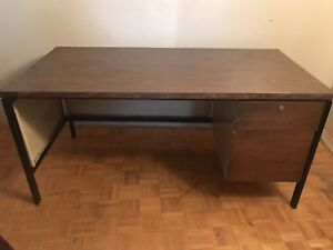 Free Metal Table/Desk With 2 Drawers