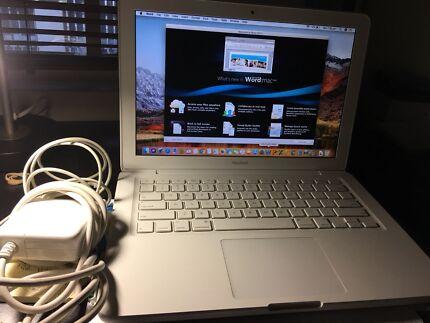 Apple MacBook 2010,Sony camera 1080,apple iPad 2