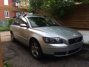 Volvo v50 t5 awd (automatic)