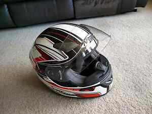 Nitro Full Face Ladies Helmet (Price: $125 ono) Rhodes Canada Bay Area Preview