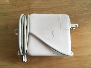 Charger Apple 60W MagSafe power adapter