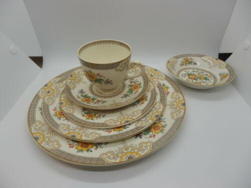 Myott Staffordshire England Pattern #4375 - 6 pc place setting  Floral Scrolls