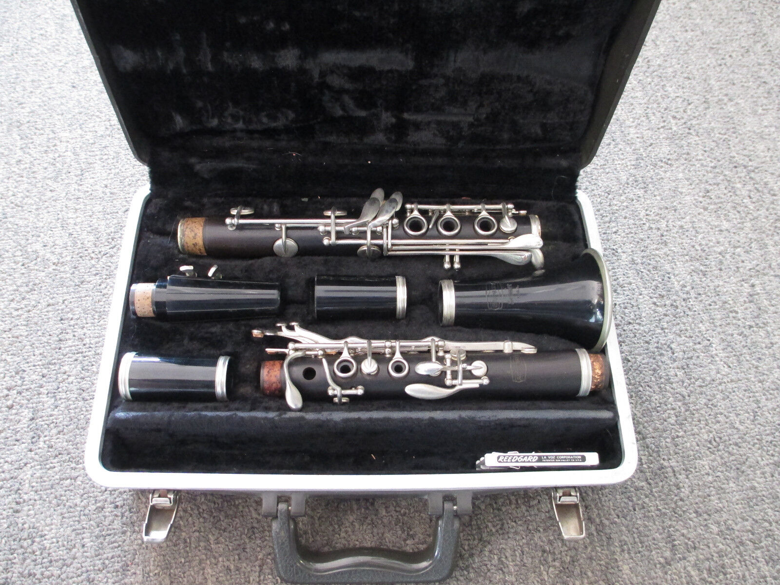 Selmer Bundy Clarinet With Hard Case - Made In The Usa - Wood Not Plastic