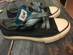 Converse Sneakers. Girls Sz 13. Sparkle!!