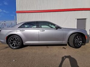 2018 Chrysler 300 300S ALL WHEEL DRIVE/LEATHER/LOADED