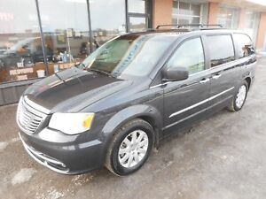 2011 Chrysler Town & Country Touring w/Leather TOURING*V6*Dua...