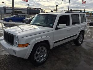 One-of-a-kind 2010 7 passenger Jeep Commander Limited with Hemi