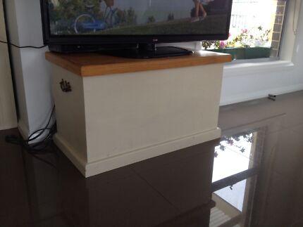 Toy box / blanket box / trunk / chest Bonner Gungahlin Area Preview
